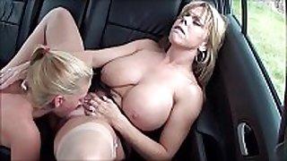 Mum shows her ways sexy mama