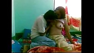 Older moody hot aunty has sex with sexually excited younge...