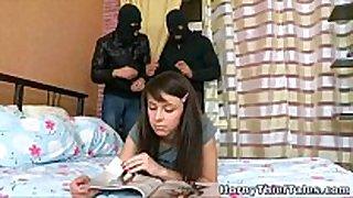 Dina makes the robbery