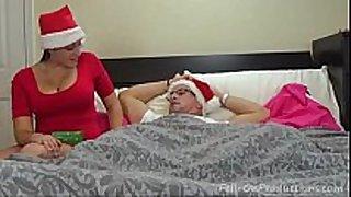 Aunt dilettante christmas gift - www.lesbianvidsfr...