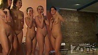 Voyeur girls sing