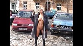 Agnieszka flash in public