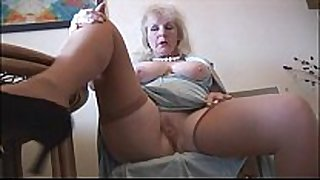 Curvy aged black rod doxy in nylons undresses and positions