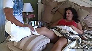 Margo sullivan - mamma breaks her foot
