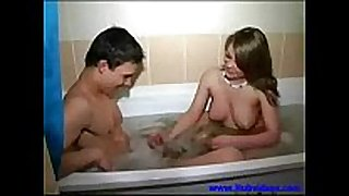 Step brother and sister take a bath 00