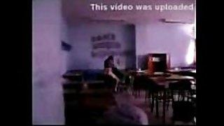 Argentina : camara escondida en cantina de la f...