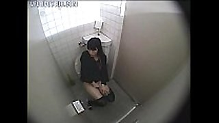 Girl caught masturbating in the bath