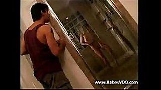 Amuteur pair in bath