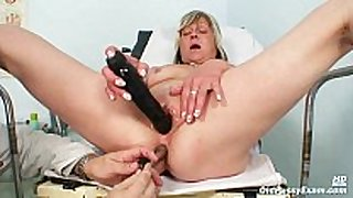 Nada visits her gyno doctor for aged love tunnel sp...