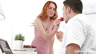 Seductive redhead girl gets pounded in the morning